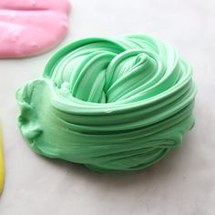 BUTTER SLIME - this butter slime recipe is so soft and fluffy! : BUTTER SLIME - this butter slime recipe is so soft and fluffy! Butter Slime Recipe, Fluffy Slime Recipe, Easy Slime Recipe, Diy Recipe, Kids Crafts, Diy Crafts Hacks, Diy Projects, Summer Crafts, Easy Crafts