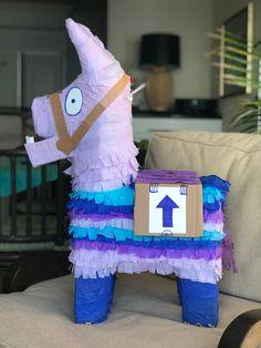 Fortnite Llama Piñata made with a rainbow donkey piñata and crepe paper. Birthday Board, 8th Birthday, Birthday Ideas, Birthday Parties, Little Valentine, Valentine Box, Valentines Day Party, Barbacoa, Crepe Paper