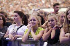 IdeenExpo 2013 in Hannover: Die Konzerte auf der IdeenExpo sind beliebt: die Zuschauer müssen früh kommen, wenn sie noch einen Platz bekommen wollen!