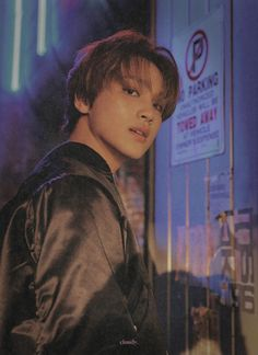 he's glowing,, i love him J Pop, Nct 127, Hip Hop, Fandoms, Na Jaemin, Entertainment, Kpop Groups, Boyfriend Material, Taeyong