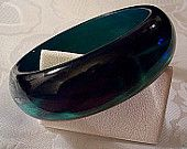 Green Moonglow Bracelet Bangle Vintage Avon 1977 Luminesque Lucite Wide Round