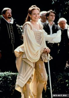 Veronica Franco, courtesan (Catherine McCormack) in 'Dangerous Beauty' never seen the movie, costumes seem interesting Catherine Mccormack, Beauty Movie, Ella Enchanted, Renaissance Era, Beauty First, Movie Costumes, Tudor Costumes, Period Costumes, Fantasy Costumes