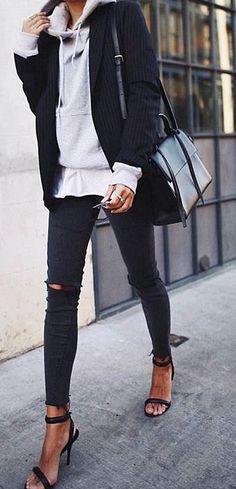 Du liebst elegante Damen Accessoires? Dann wirst du die Auswahl an hochwertigen und eleganten Damen Accessoires auf www.nybb.de lieben! #fashion #mode #accessoires