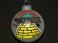 Wizard of Oz ornament..these would look super cute on my Wizard of Oz tree!