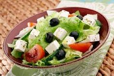 Mediterranean Diet Plan Greek Salad: the Mediterranean diet on a plate Banting Diet, Banting Recipes, Healthy Foods To Eat, Healthy Eating, Healthy Recipes, Chefs, Cholesterol Lowering Foods, Cholesterol Symptoms, Cholesterol Levels