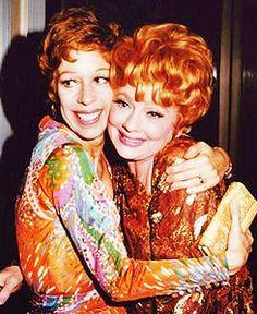 Carol Burnett & Lucille Ball-- I love Lucy! Lucille Ball, I Love Lucy, Classic Hollywood, Old Hollywood, Hollywood Stars, Hollywood Glamour, Beverly Hills, Redhead Funny, Divas