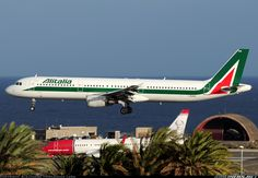 "Alitalia Airbus A321-112 I-BIXN ""Piazza del Duomo CATANIA"" flaring over the threshold at Gran Canaria-Gando, November 2013. (Photo: Alejandro Hernández León)"