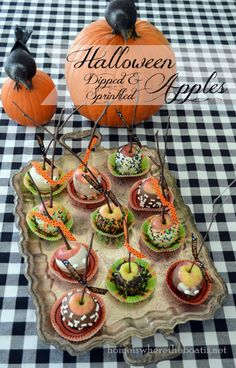 Chocolate-Dipped & Sprinkled Apples~ 2 inch size served in cupcake liners for Halloween Treats! @ Home is Where the Boat Is Adult Halloween Party, Halloween Desserts, Holidays Halloween, Spooky Halloween, Halloween Treats, Happy Halloween, Halloween Decorations, Halloween Foods, Halloween Apples