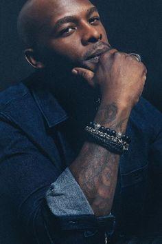 Black Men's Dossier talks to R&B artist, songwriter and producer Joe about his life and newest album Bridges. Lewis Thomas, Joe Thomas, R&b Artists, Music Artists, New Music Albums, New Jack Swing, Handsome Black Men, Soul Music, Celebrity Couples