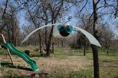 garden bug from recycled glass Garden Bugs, Recycled Glass, Recycling, Decor Ideas, Sculpture, Park, Sculptures, Parks, Sculpting