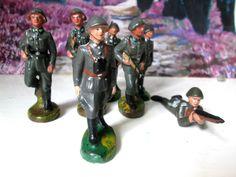 12 NVA Soldaten mit Papp Gewehr um 1950 Masse Soldaten DDR Militär BGH Effelder   eBay