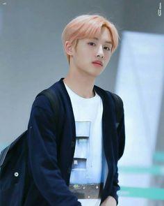 Taeyong, Nct 127, Nct Dream We Young, Nct Winwin, Sm Rookies, Boy Photography Poses, Jung Jaehyun, Na Jaemin, Jung Woo