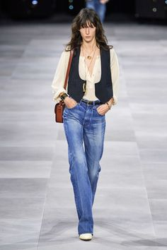 Celine ready-to-wear spring/summer 2020 - Vogue Australia fashion 2020 Celine ready-to-wear spring/summer 2020 Celine, Vogue Paris, Fashion Weeks, Fashion 2020, Paris Fashion, Fashion Fashion, Fashion Models, Luxury Fashion, Casual Outfits
