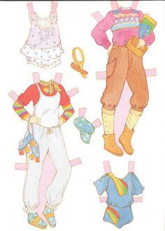 Paper Dolls~Mandy - Bonnie Jones - Álbuns da web do Picasa Paper Art, Paper Crafts, Paper Dolls Printable, Clothespin Dolls, Fabric Beads, Vintage Paper Dolls, Retro Toys, Paper Toys, Paper Puppets