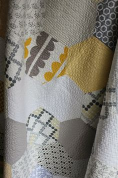 Hexagon Quilt - Tallgrass Prairie Studio- free tutorial