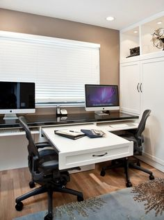 Bay Area homes often lack the space for a dedicated home office. Make space for homework and work stations with custom desks and cabinetry today!