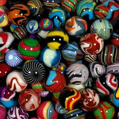 Carl Fisher Marbles Interview Page Marbles Images, Marble Pictures, Marble Games, Eye Candy, Marble Art, Kristina Webb, Glass Marbles, Vintage Toys, Childhood Memories