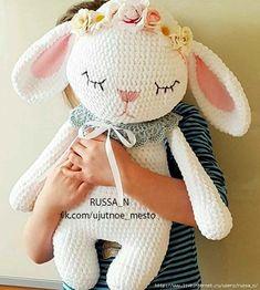 Mesmerizing Crochet an Amigurumi Rabbit Ideas. Lovely Crochet an Amigurumi Rabbit Ideas. Easter Crochet, Crochet Bunny, Cute Crochet, Crochet For Kids, Crochet Crafts, Crochet Projects, Diy Crafts, Crochet Amigurumi, Amigurumi Doll