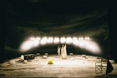 """Peer Gynt"" (c) Thomas Dashuber v.l. Friederike Ott (Anitra), Shenja Lacher (Peer Gynt #PeerGynt #Gyntiania #Residenztheater #Mjunik #Buehne #spotlights"