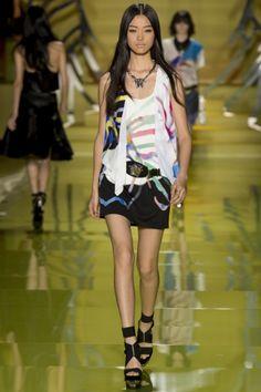 Sfilata Versace Milano - Collezioni Primavera Estate 2014 - Vogue
