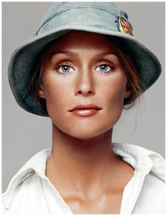 Lauren Hutton...who also has very good taste in casual hats