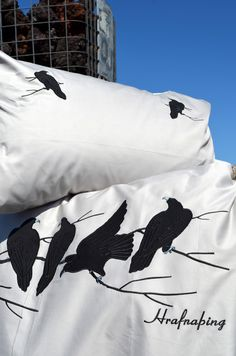 Crow bed linen.  www.lindesign.is.   Need one for my boy Hrafn. /Raven/
