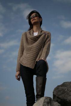 AQUA 02 Long Sleeves Sweater Handknit Unique by NihanAltuntas