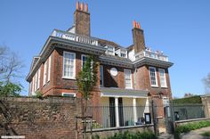 Fenton House was built around 1686 by William Eades Fenton House, Sunken Garden, North London, National Trust, Detached House, 17th Century, Mansions, House Styles, Manor Houses