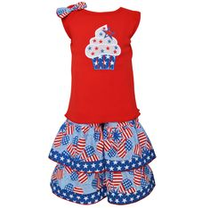 AnnLoren Baby Girls 12-18 mo 4th of July cupcake Heart Flags Capri Outfit. Announcing the Patriotic Cupcake Tunic and Capri Set!. Featured tank is embellished with a Patriotic Cupcake patch. Accompanying Woven Patriotic Capri Pants are finished with star trim and an elastic waistband for a comfortable fit. 100% Cotton and Machine Washable. AnnLoren Baby Girls 12-18 mo 4th of July cupcake Heart Flags Capri Outfit.