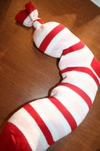 These are super easy heating pads to make with remnants. or socks! rice filled/pop in the microwave heating pad - Great kid made gifts!