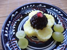 Floare De Orez Cu Magiun De Prune / Rice Flower With Plum Jam https://vegansavor.wordpress.com/2015/07/15/rice-flower-with-lemongrass-turmeric-plum-jam-pomegranate-and-grapes/ #Topoloveni #plum #jam #rice #grapes #pomegranate #lemongrass #turmeric #vegan #sweets