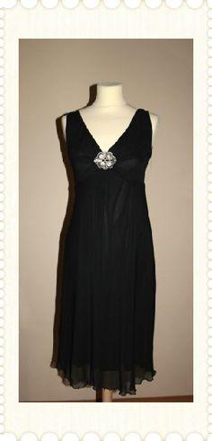 Vestido negro en gasa, corte imperio. T 40, pequeña. PVP 34,90. eR L'ATAMODA