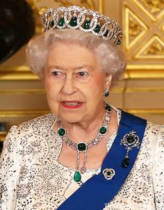 Queen Elizabeth II wears the Vladimir Tiara with the Cambridge emerald drops at a state banquet at Windsor Castle during a state visit from Ireland, 8 April 2014 Hm The Queen, Royal Queen, Her Majesty The Queen, Save The Queen, Queen Mary, Queen B, Queen Elizabeth Ii, Royal Jewelry, Luxury Jewelry