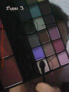 PASSO 5:  Ora de usar a palheta! Use a parte de um lado para a cor preta, para usar como uma esfumação. Outra cor, o branco ou dourado para as palpebras.