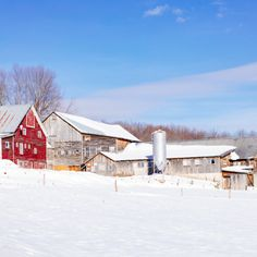 Spending Winter Days With Field Guide in Stowe Vermont New England Decor, New England Kitchen, New England Style, New England Homes, Winter Holiday Destinations, Travel Around The World, Around The Worlds, Stowe Vermont