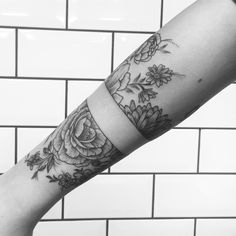 Floral tattoo band