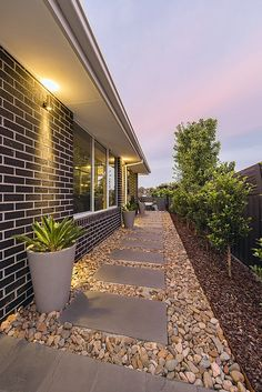 Pebbles and Stepping Stones Side Yard Landscaping, Backyard Walkway, Backyard Patio Designs, Small Backyard Landscaping, Backyard Ideas, Garden Ideas, Landscaping Ideas, Small Backyard Design, Stones For Landscaping