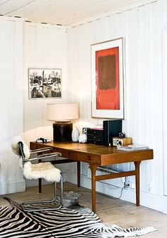 Bo bedre - norwegian home office Home Office Space, Home Office Design, Home Office Decor, House Design, Office Designs, Office Workspace, Colorful Interior Design, Modern Design, Appartement Design