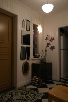 Spegelpotpourri i hallen