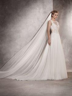 Atlantis - Wedding dress in gauze and organza, bateau neckline and lace