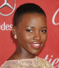 Attention, ladies, a new hair trend is coming by - buzz cut hairstyles the symbol of individuality, freedom and new start in life. Buzz Cut Hairstyles, Short Afro Hairstyles, Celebrity Hairstyles, Black Women Hairstyles, Trendy Hairstyles, Hairstyles 2018, Popular Hairstyles, Bob Hairstyle, Make Up Looks