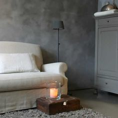 Hoffz Interieur, by mart. - love the texture on the walls