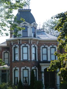 Slate pattern old Goderich home Slate Roof, Victorian Homes, Ontario, Canada, Mansions, Architecture, House Styles, Pattern, Beautiful