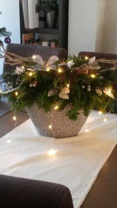 Fresh Christmas ideas for Monday! – DIY art ideas - How To Forge Christmas Planters, Christmas Wreaths, Christmas Crafts, Christmas Ornaments, Christmas Ideas, Silver Christmas Decorations, Christmas Centerpieces, Holiday Decor, Country Christmas