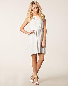 060f382885e5 Savi Short Dress - Vero Moda - Snow white - Kjoler - Klær - NELLY.COM