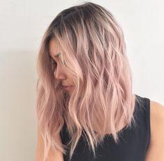 12 inspi cheveux roses pour passer en mode barbe à papa