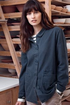 A Seasalt workwear-inspired jacket. Designed for a very relaxed fit, it's made from durable and rugged cotton canvas and garment-dyed for a rich, deep colour.