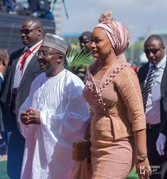 Ghana's VP's Wife Samira Bawumia Breaks Internet Again with Her Independence Day Dress African Fashion Designers, African Men Fashion, Africa Fashion, African Fashion Dresses, African Women, Ghana Fashion, African Beauty, African Lace, African Fabric