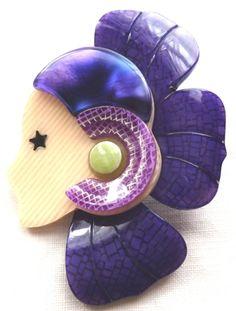 The Lea Stein Petal ladies head brooch in purple. Photograph by GillianHorsup. www.gilianhorsup.com #LeaSteinBrooch #LeaSteiPetalBrooch