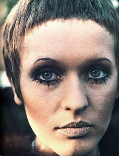 Julie Driscoll, 1968. Had to admit it, but i drew on my lower lashes with liquid eye liner too.